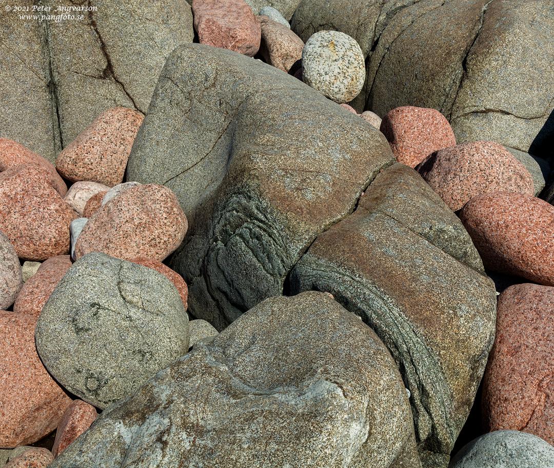 Stenar på klippa på Trysunda, Höga Kusten.
