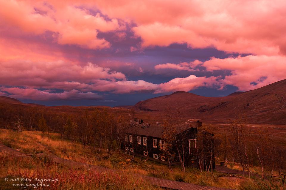 Kebnekaise fjällstation Ladjovagge kungsleden nordkalottenleden fjällvandring pangfoto Peter Angvarson