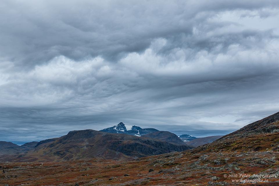 Sälkaglaciären kungsleden nordkalottenleden fjällvandring pangfoto Peter Angvarson
