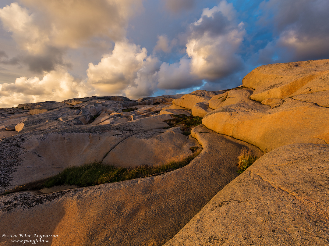 Landskapsfotografi på klippor och moln. Landscape photography, cliffs and clouds.