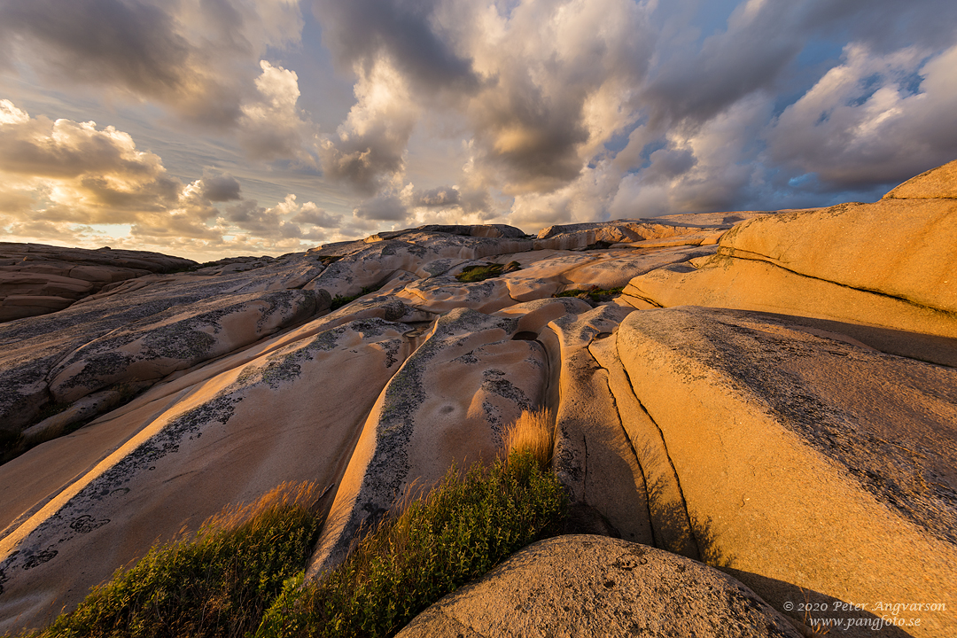 Landskapsfotografi på klippor och moln. Landscape photography, cliffs and clouds.
